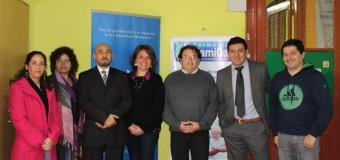Serpaj Chile y farmacias Familiares firman acuerdo que permite rebaja en la compra de medicamentos para los 22 Centros de Tratamiento a lo largo del país