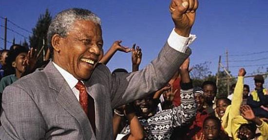 NELSON  MANDELA, Por la Paz, la Democracia y la Libertad