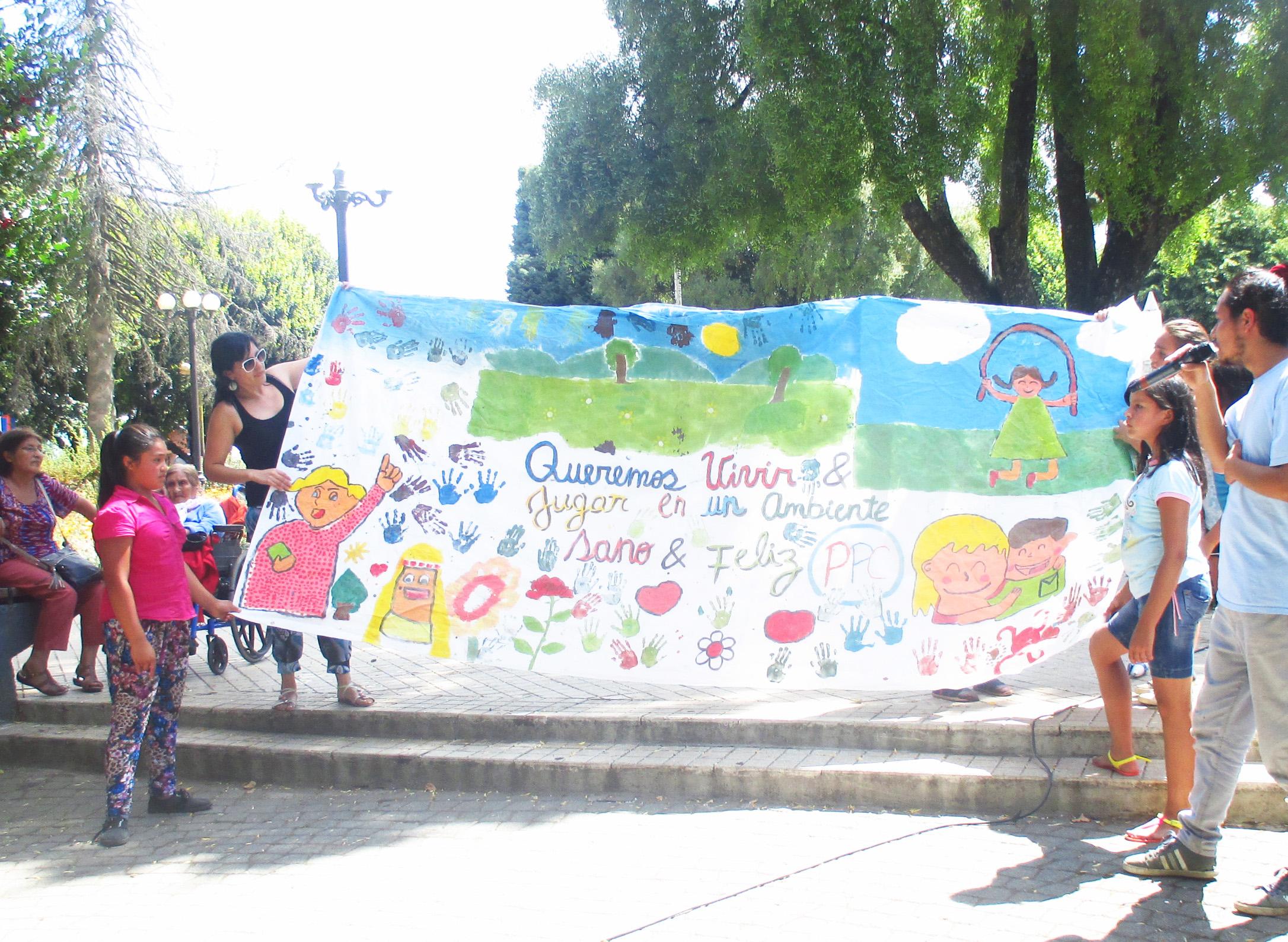 PCC San José de región de Los Ríos presenta lienzo para promover derechos de infancia