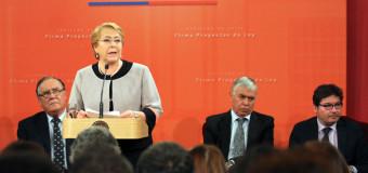 Ejecutivo firmó los proyectos de ley que crean los servicios de Protección Especializada y de Reinserción Social Juvenil