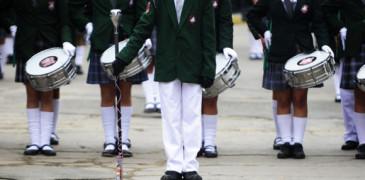 18 de MAYO de 2013/VALPARAISO Diferentes colegios  de Viña del Mar desfilaron rindiendo un  homenaje a las Glorias Navales en la tradicional Avenida Peru de la Ciudad Jardín. FOTO: PABLO OVALLE ISASMENDI/AGENCIAUNO