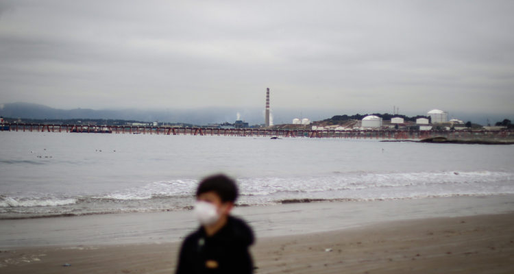 Estudio revela que 17 derechos del niño son vulnerados en Quintero y Puchuncaví por contaminación