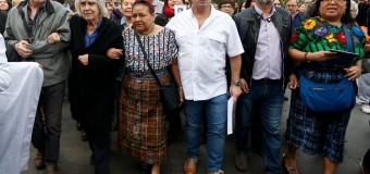 """Rigoberta Menchú: """"Si no se hacen reformas profundas, la crisis chilena va a tardar un par de décadas"""""""